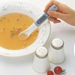 Meg sem kell kóstolni, a kanál megmondja, ha túl sós a leves