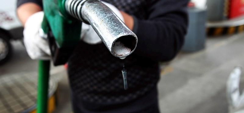 Hatalmas benzin- és gázolajáresés néz ki