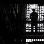 Életfogytiglani börtönt kért az ügyészség egy idős nőre támadó férfira
