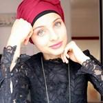 Hiába gyönyörű a hangja, otthagyta a francia Voice-ot az őt ért kritikák miatt egy muszlim lány