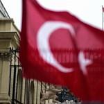 Több hónap után engedi haza Törökország a határon áttévedt két görög katonát