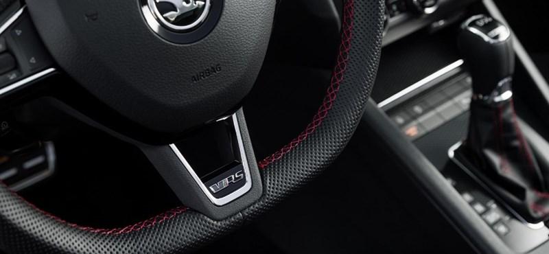 Az első bepillantás a hatalmas kijelzős új Škoda Octaviába