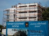 Siófokon több adót kell fizetni a Balaton-parti luxuslakások után