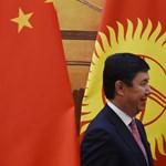 Még egy breaking: lemondott a kirgiz miniszterelnök