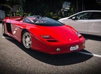 Szinte nem is létező Ferrarival kocsikázik a brunei szultán