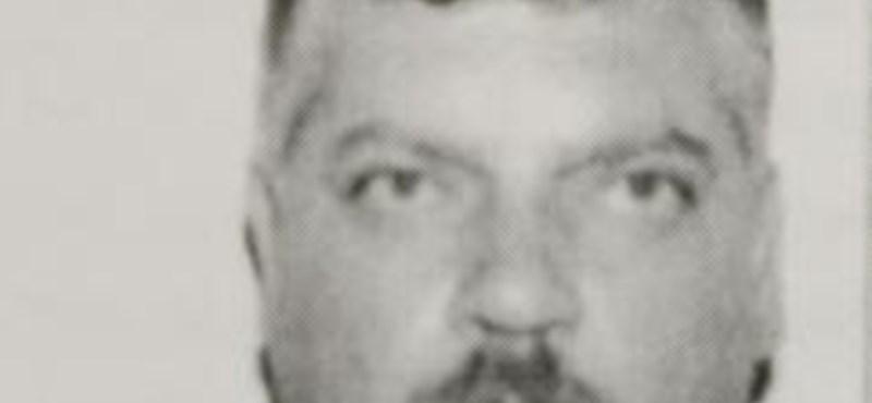 Hármas gyilkosság: közzétették a keresett férfi fotóját