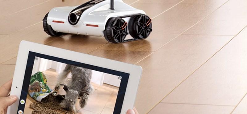 Íme az iPhone-nal vagy iPaddel vezérelt kémtank, beépített kamerával [videó]