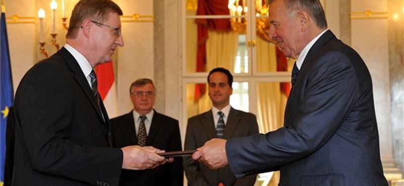 Régi-új rektor a Debreceni Református Egyetem élén
