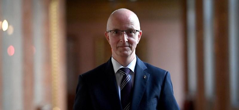 Megszavazta a parlament Áder bírói múlt nélküli jelöltjét a Kúria elnökének