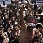 Nemzetközi katonai beavatkozást sürget Szíriában a volt alelnök
