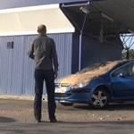 Videó: a hónap legpimaszabb autós szivatása