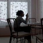 Fáj a háta a sok üléstől? – Pár egyszerű gyakorlat, amitől elmúlnak a kínjai