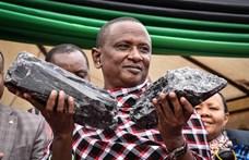 Két hatalmas drágakő milliárdossá tette, és most egy harmadikat is talált a szerencsés tanzániai bányász