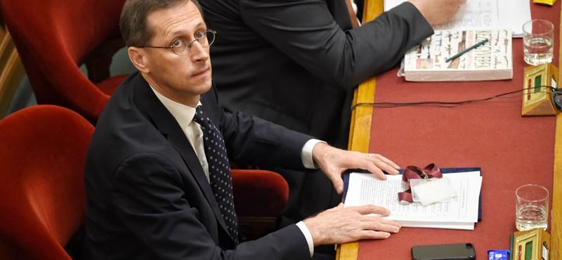Újabb tízmilliárdokat csoportosít át a kormány – jut focira, kézilabdára és Hungarikum Hotelre is