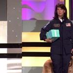 Hősnek járó tiszteletadással búcsúztatták el az utolsó 9/11-es keresőkutyát