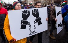 """Egyre többen élnének a """"rabszolgatörvénnyel"""" az autóiparban"""