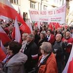 Március 15.: nem számoltak be a tüntető lengyelekről, bojkottot hirdet a Gazeta Polska