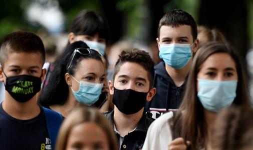 Új rekord: egy nap alatt ezernél is többen fertőzödtek meg koronavírussal itthon