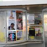 Soros-bérenc óvodások, Lőrinc megvette Kanadát – 2022-es újságokat ragasztott ki szerte az országban a Kétfarkú