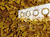 Lego-rámpákkal akadálymentesít egy kerekesszékes német nő