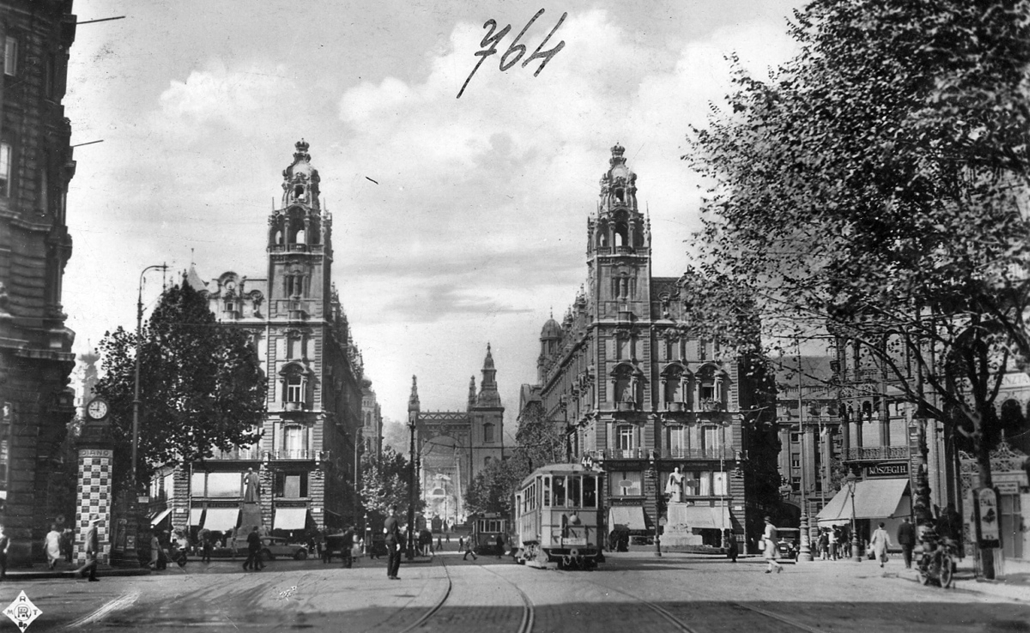 fortepan_! 1929. - Ferenciek tere (Apponyi tér), Klotild paloták, háttérben az Erzsébet híd - Erzsébet híd,nagyítás
