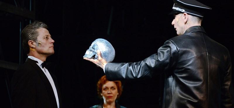 Eltűnt az Alföldi-féle Mephisto a Vígszínház előadásai közül