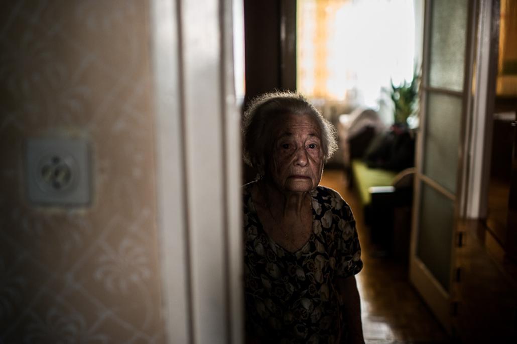 Kilakoltatások, 2013.09.18. devizahitel, 93 éves néni