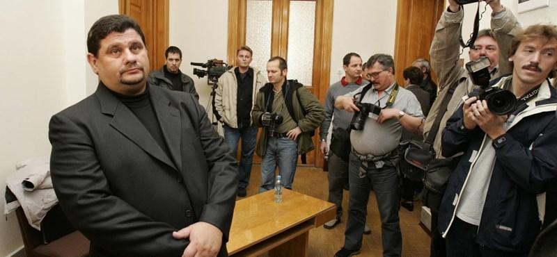 Portik a Postabank-vezérhez fűződő viszonyával dicsekedett, de a nyomozók hanyagolták ezt a szálat