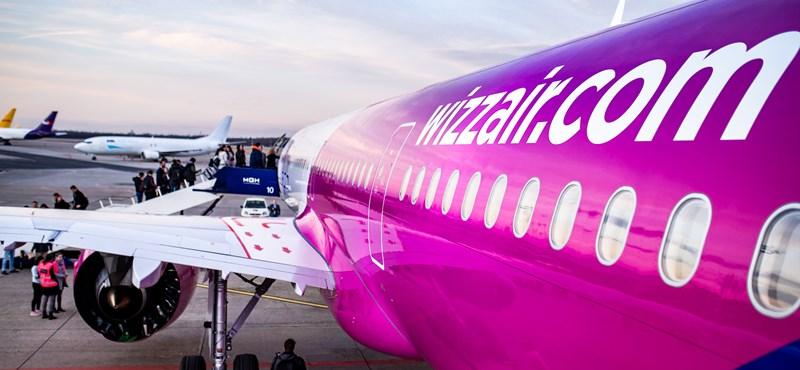 Wizz Air: A légiirányítás és a ferihegyi reptérzár miatt késett 7 órát a londoni járat