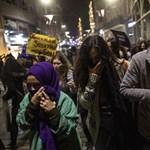 Könnygázzal oszlatták fel Isztambulban a nők elleni erőszak ellen tüntető nőket – videó