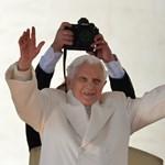 Törölték XVI. Benedek összes üzenetét