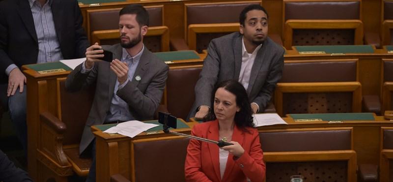 Nem kegyelmezett a mentelmi bizottság Tordai Bencének és Varju Lászlónak