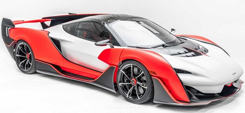 Itt a legújabb hiperautó, a McLaren Sabre