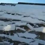 Városi lavinavideók: meglepetés a háztetőről