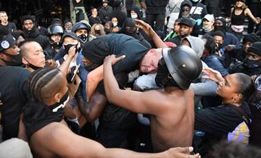 Megszólalt a véresre vert szélsőjobbost megmentő fekete tüntető