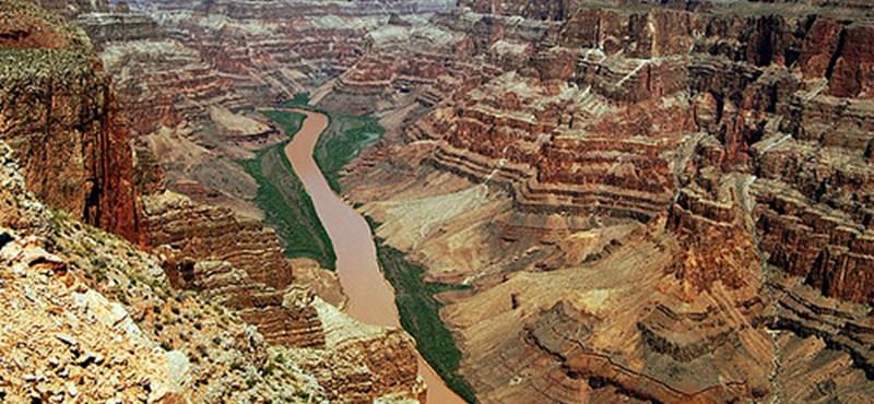 Esőzés miatt indult meg a föld a Grand Canyonnál