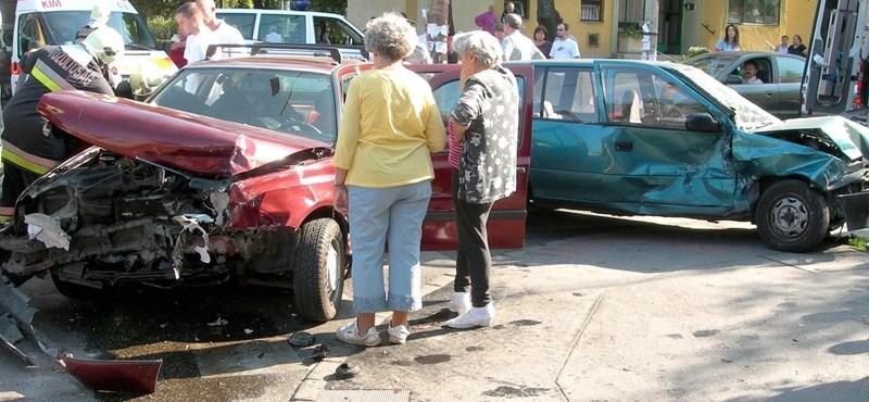 Súlyos baleset történt Kőbányán – fotó