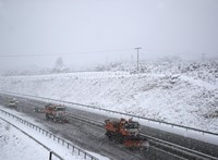 Nemsokára újra leszakad a hó, a fél országra kiadják a figyelmeztetést