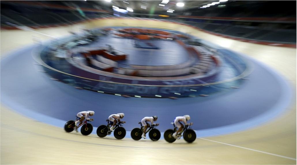 A dél-koreai kerékpáros csapat edzése Londonban