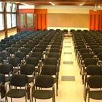 Konferencia zöldben (x)