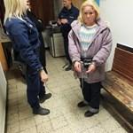 Fényes nappal rabolt ki az utcán egy idős férfit egy erőszakos nő Vácon