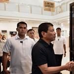 Három kiskorú halála miatt gondolja újra a gyilkos drogháborúját a Fülöp-szigeteki elnök