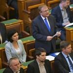 Rétvári-Hiller-csörte a lex CEU kapcsán a parlamentben