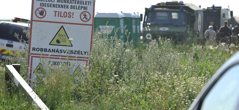 HM: Nem a túl sok túlóra miatt robbantak fel a tűzszerészek a Hortobágyon