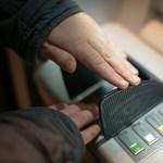 Kezdenek rászokni a magyarok az ATM-es pénzbefizetésekre