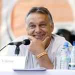 Busásan megfizették az Orbán Viktort tankönyvbe foglaló írókat
