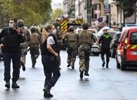 Késes támadás történt a Charlie Hebdo-tragédia helyszínén, elfogták a tettest