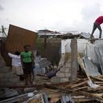 Fotók: Teljes településeket tüntetett el a Föld színéről a hurrikán Haitin
