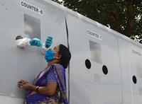 Indiában két-három koronavírus-beteg osztozik egyetlen ágyon