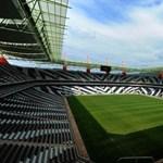 Gigantikus stadionok épültek Dél-Afrikában